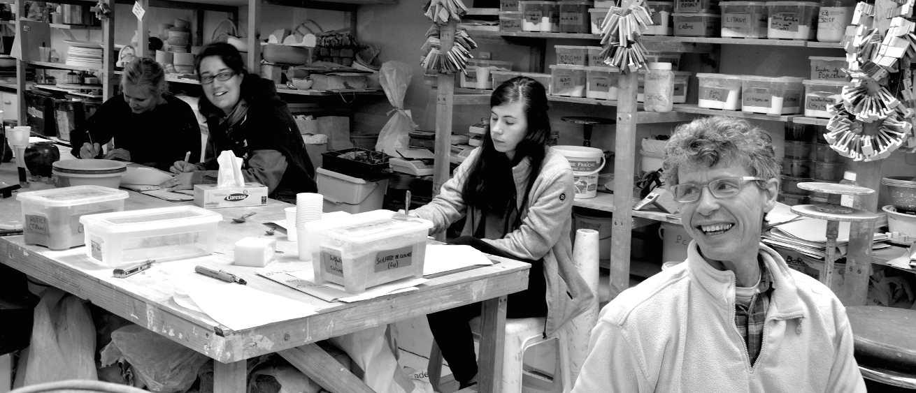 Anciens élèves du centre de formation de céramique et poterie Créamik