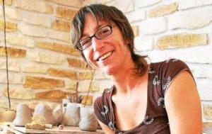 Potière Céramiste Juliette Lecuyer, ancienne élève de l'école créamik