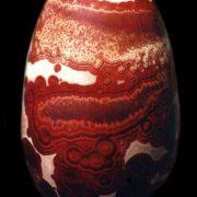 Vase de Matthieu Liévois, cristaux rouges